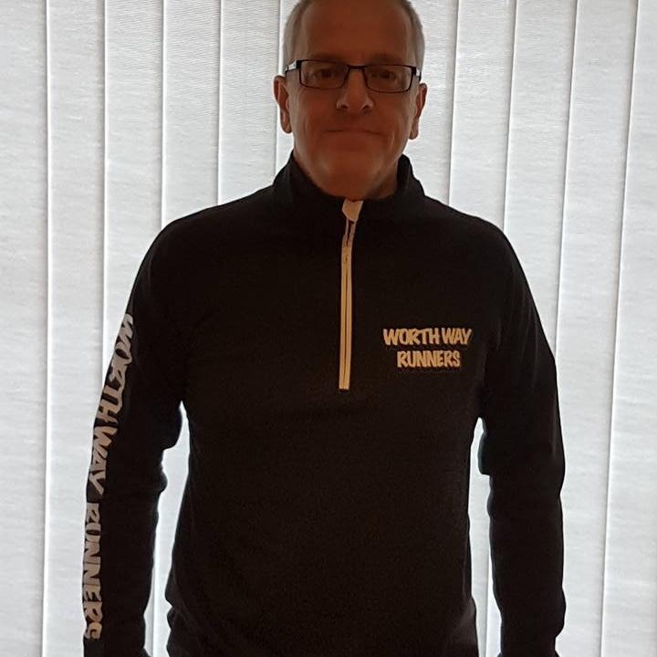 Worth Way Runners - Mens Black Zipped Long Sleeve Top.