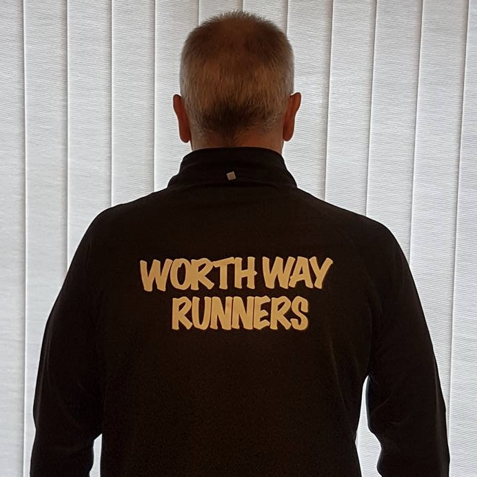 Worth Way Runners - Mens Black Zipped Long Sleeve Top.